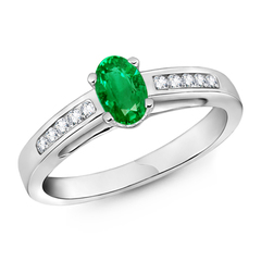 Oval Solitaire Emerald Ring with Channel Set Diamond