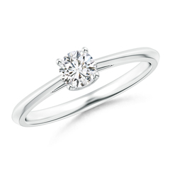 Knife-Edged Classic Round Diamond Solitaire Ring